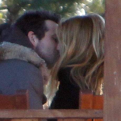 <strong>Ryan Reynolds</strong> and <strong>Blake Lively</strong> Kissing